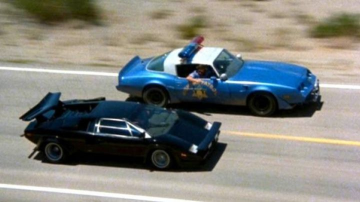 The Lamborghini LP400S in Cannonball Run - Movie Outfits and Products