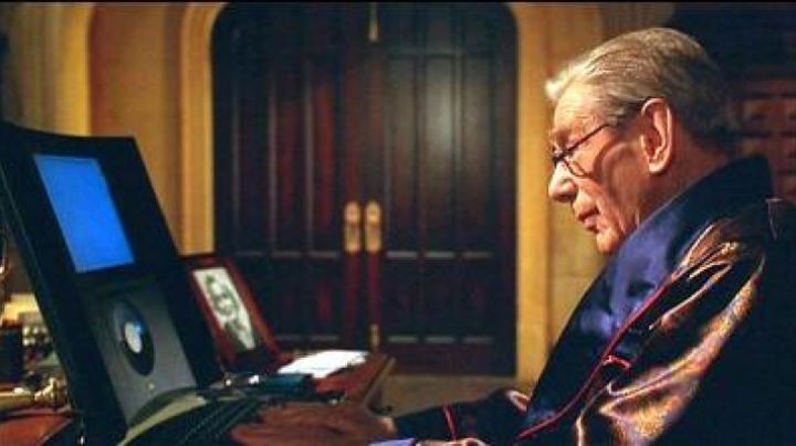 The Mac 20th anniversary of Alfred (Michael Gough) in Batman and Robin - Movie Outfits and Products