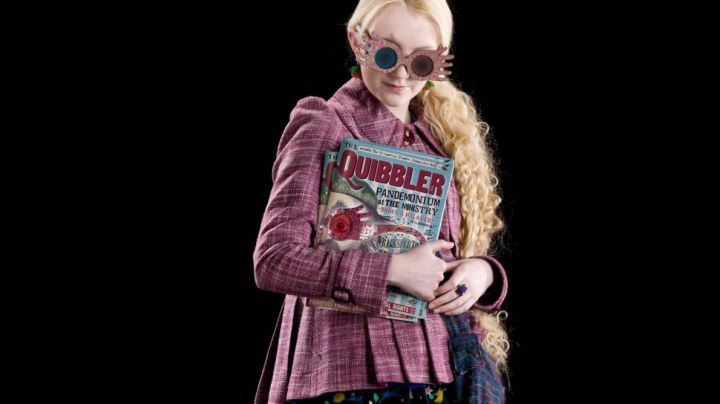 The Magazine Quibbler Luna Lovegood (Evanna Lynch) in Harry Potter and the order of the Phenix - Movie Outfits and Products