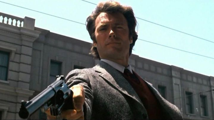 The Magnum 357 Harry Callahan (Clint Eastwood) in The inspector Harry movie