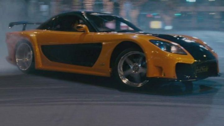 The Mazda RX-7 of Han Lue (Sung Kang) in The Fast and the Furious: Tokyo Drift - Movie Outfits and Products