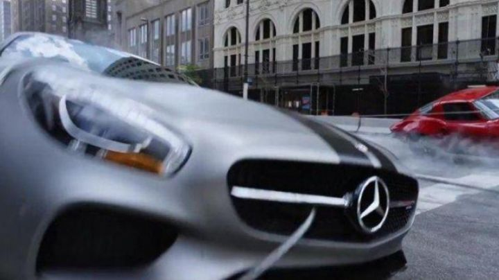 The Mercedes AMG of Roman Pierce (Tyrese Gibson) in Fast & Furious 8 - Movie Outfits and Products