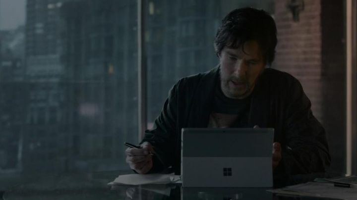 The Microsoft Surface from Dr. Stephen Strange (Benedict Cumberbatch) in Doctor Strange movie