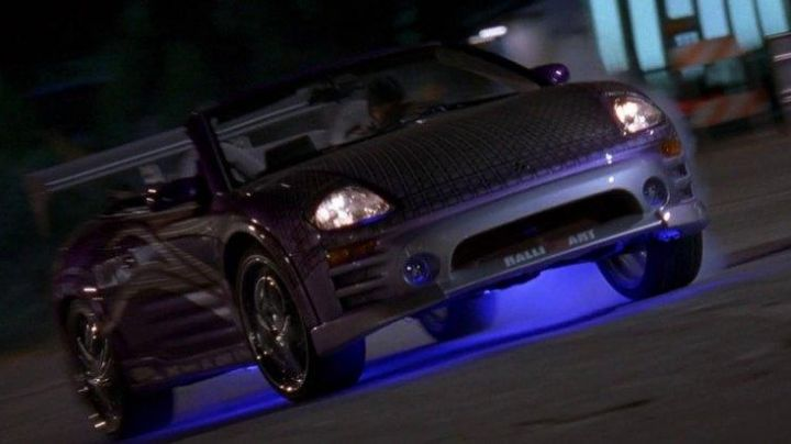 The Mitsubishi Eclipse of Roman Pierce (Tyrese Gibson) in 2 Fast 2 Furious - Movie Outfits and Products
