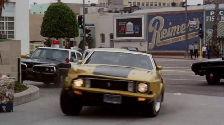 The Mustang Mach 1 of Toby Halicki dans Gone in 60 Seconds - Movie Outfits and Products