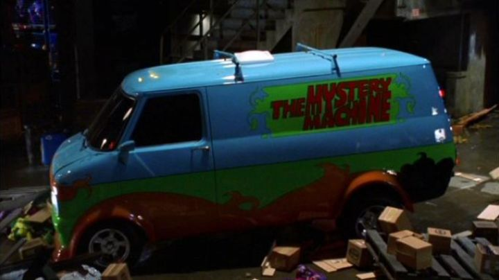 """The Mystery Machine"" van in Scooby Doo - Movie Outfits and Products"