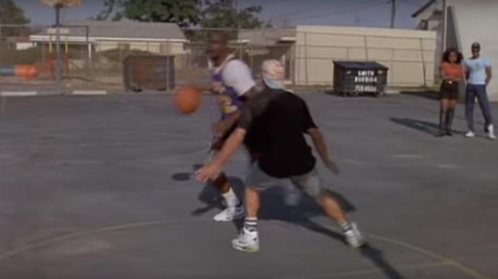 Fashion Trends 2021: The Nike green and white of Billy Hoyle (Woody Harrelson) in white do not know how to jump