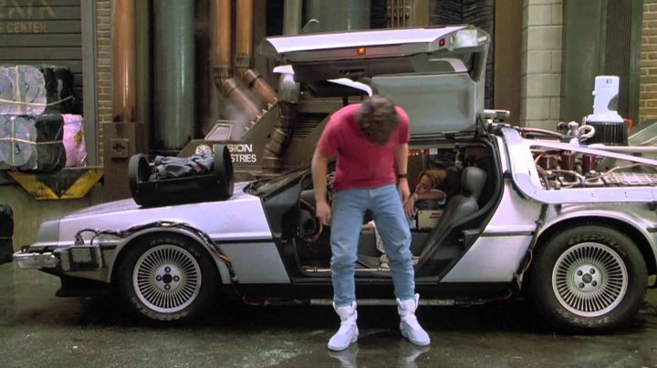 The Nike shoes of the future by Marty McFly (Michael J. Fox) in Back to the Future II - Movie Outfits and Products