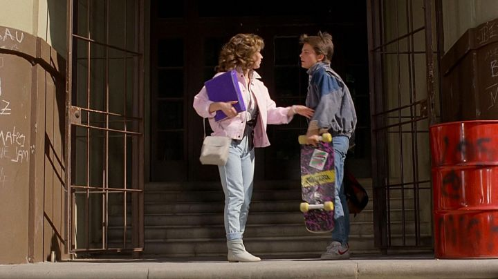 Fashion Trends 2021: The Nike shoes red and white by Marty McFly (Michael J. Fox) in Back to the future