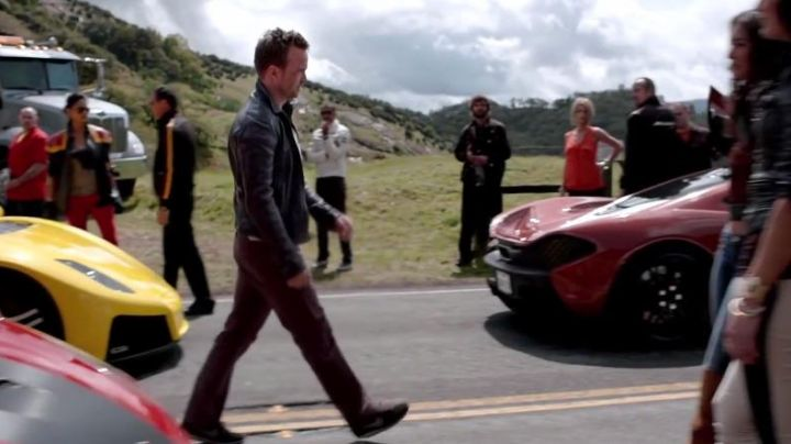 Fashion Trends 2021: The Nikes worn by Aaron Paul in Need for Speed