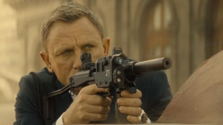 The Omega watch Aqua Terra James Bond (Daniel Craig) in Spectrum - Movie Outfits and Products