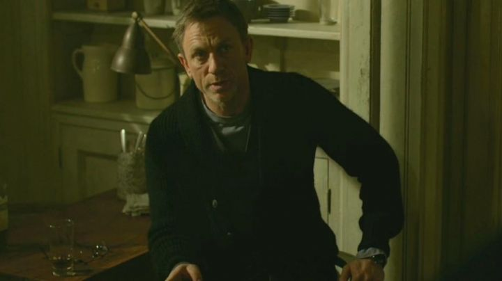Fashion Trends 2021: The Omega watch Mikael Blomkvist (Daniel Craig) in The Girl with The Dragon Tattoo