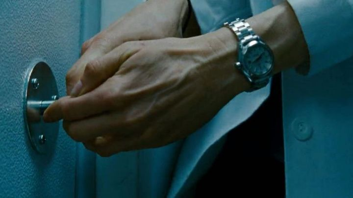Fashion Trends 2021: The Omega watch of Rachel Weisz in The Bourne Legacy
