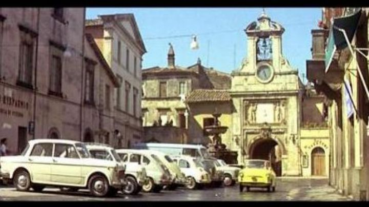 The Piazza del Comune of Sutri in Italy in the film le Corniaud - Movie Outfits and Products