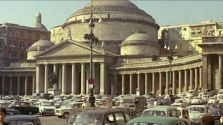 The Piazza del Plebiscito of Naples in the film le Corniaud - Movie Outfits and Products