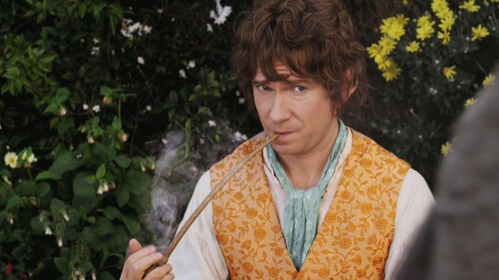 The Pipe of Bilbo Baggins (Martin Freeman) as seen in The Hobbit: The Unexpected Journey - Movie Outfits and Products