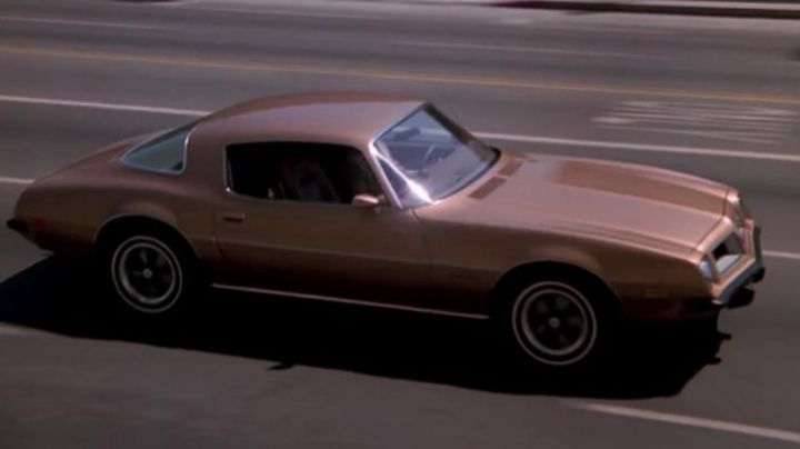 The Pontiac Firebird Esprit of Jim Rockford in The Rockford Files - Movie Outfits and Products