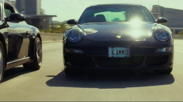 The Porsche 911 Carrera 4S coupe Efraim Diveroli (Jonah Hill) in War Dogs movie