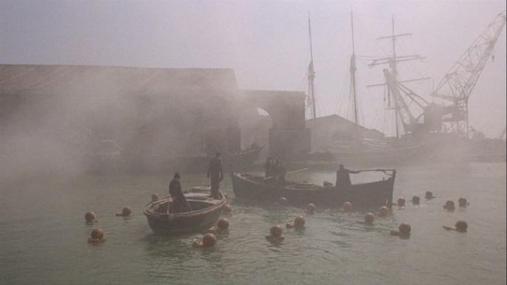The Port Marghera to Venice in It was a time in America - Movie Outfits and Products