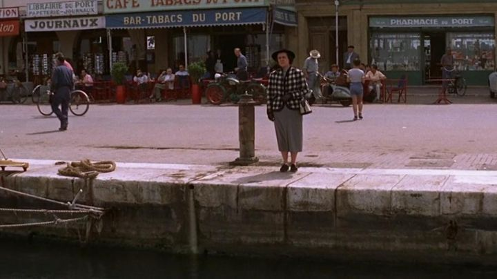 The Quai Frédéric Mistral in the port of Saint-Tropez in the film And God created woman - Movie Outfits and Products