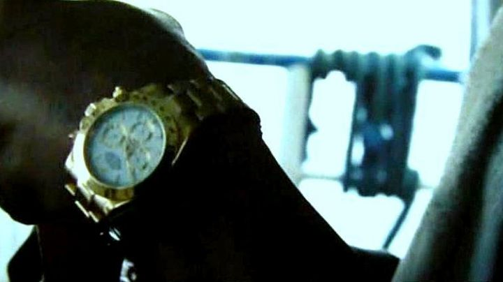 Fashion Trends 2021: The Rolex watch Daytona of the fisherman (Lou Veloso) in Jason Bourne : The legacy