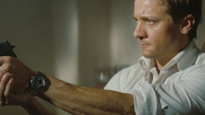 Fashion Trends 2021: The Rolex watch Submariner of Brandt (Jeremy Renner) in Mission: Impossible - Protocol Ghost