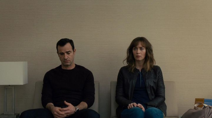 The Rolex watch Submariner of Tom Watson (Justin Theroux) in the girl of The train - Movie Outfits and Products