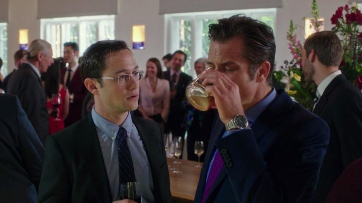 The Rolex watch Submariner of the CIA agent (Timothy Olyphant) in Snowden - Movie Outfits and Products