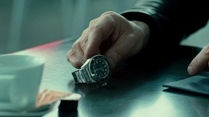 The Rolex watch of Dr. Martin Harris (Liam Neeson) in Without Identity movie
