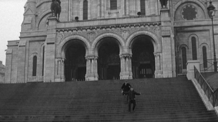 The Sacred Heart of Paris in the film The four hundred blows - Movie Outfits and Products