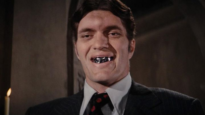 The Shark teeth / Jaws (Richard Kiel) in The spy who loved me - Movie Outfits and Products