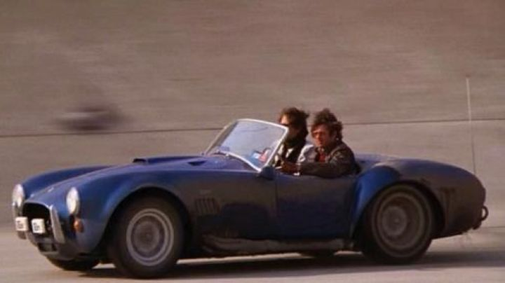 The Shelby Cobra 427 in Chewing Gum Rallye - Movie Outfits and Products