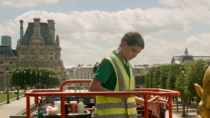 The South wing of the Palais du Louvre in the movie Nocturama - Movie Outfits and Products