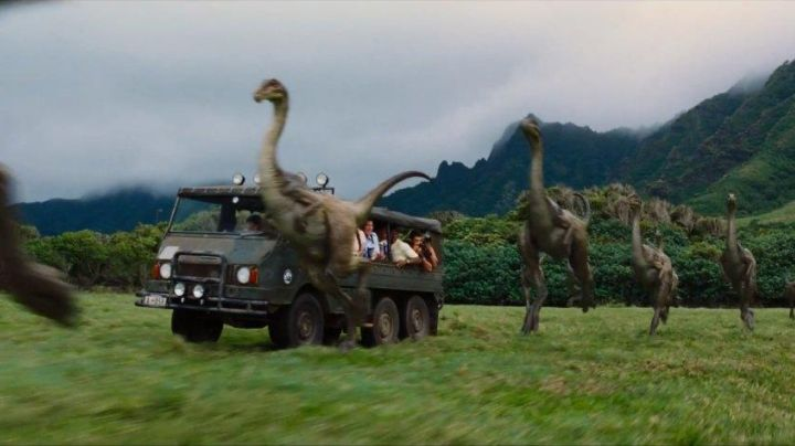 The Steyr Daimler Puc in Jurassic World - Movie Outfits and Products