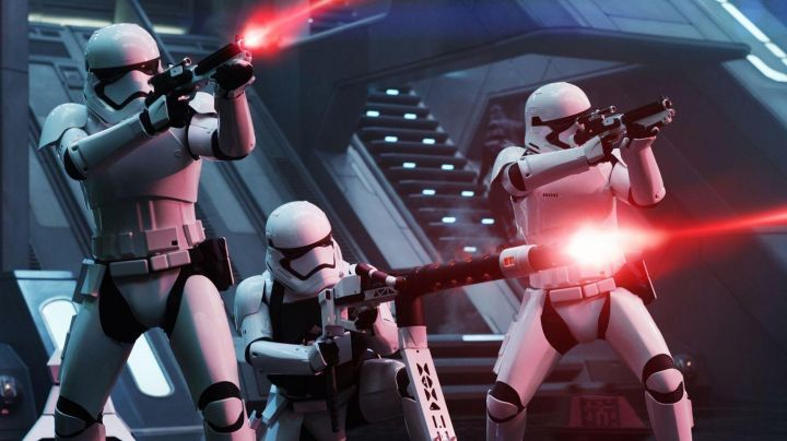 Fashion Trends 2021: The Stormtrooper helmet in Star Wars Episode VII : The Awakening of the Force
