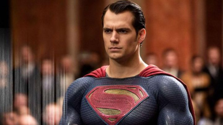Fashion Trends 2021: The Superman costume Clark Kent (Henry Cavill) in Batman v. Superman : Dawn of Justice