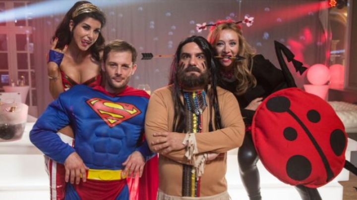 The Superman costume Mathias (Nicolas Duvauchelle) in the D-Day - Movie Outfits and Products