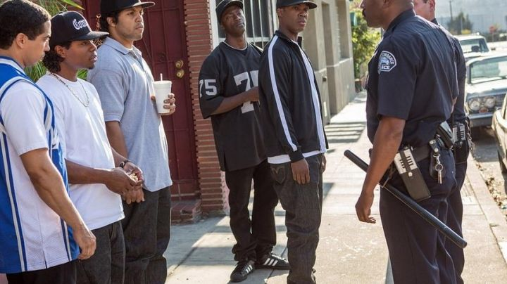 The Superstar seen in Straight Outta Compton - Movie Outfits and Products