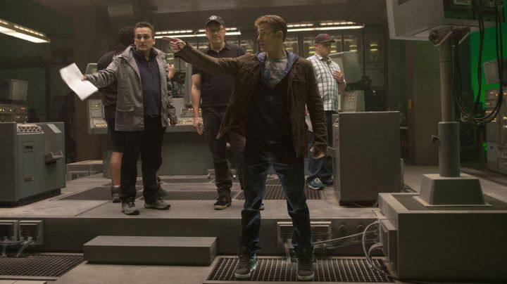 The Supra Vaider Chris Evans on the set of Captain America : The Winter Soldier - Movie Outfits and Products