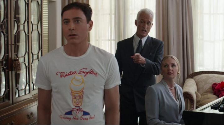 The T-Shirt Mister Softee of Tony Stark in Captain America : Civil War - Movie Outfits and Products