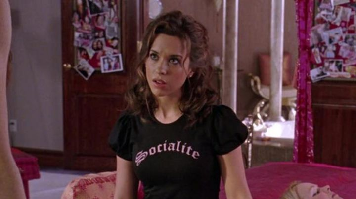 The T Shirt Socialite Of Gretchen Wieners In Mean Girls Movie Its approaching the holiday season so lemme remind yall that jeremy heere and gretchen weiners are canonically. t shirt socialite of gretchen wieners