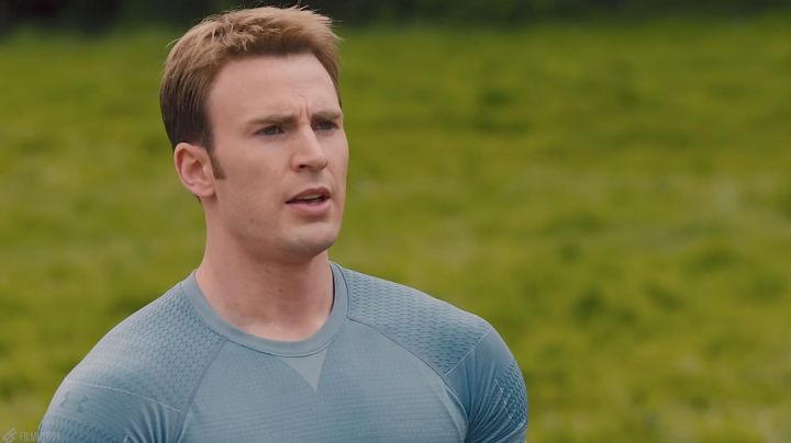 The T-shirt Under Armour Steve Rogers (Chris Evans) in the Avengers : age of Ultron movie