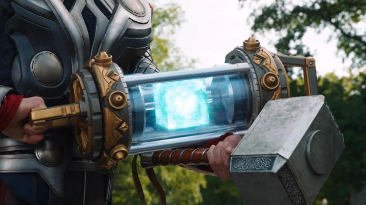 Fashion Trends 2021: The Tesseract (cube cosmic) in the Avengers