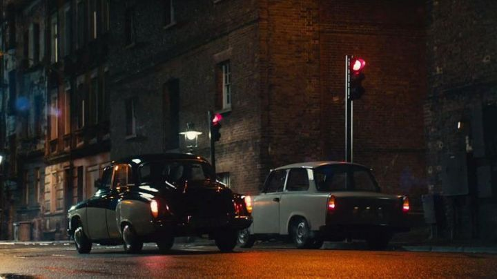 The Trabant of Illya (Armie Hammer) in The Man from U.N.C.L.E. - Movie Outfits and Products