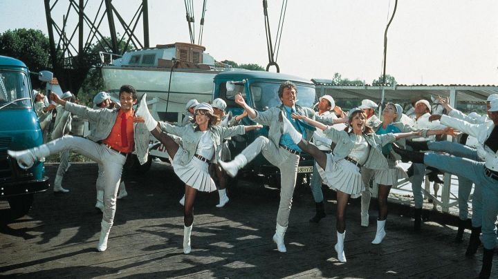The Transporter Bridge of Martrou Rochefort The young girls of Rochefort - Movie Outfits and Products