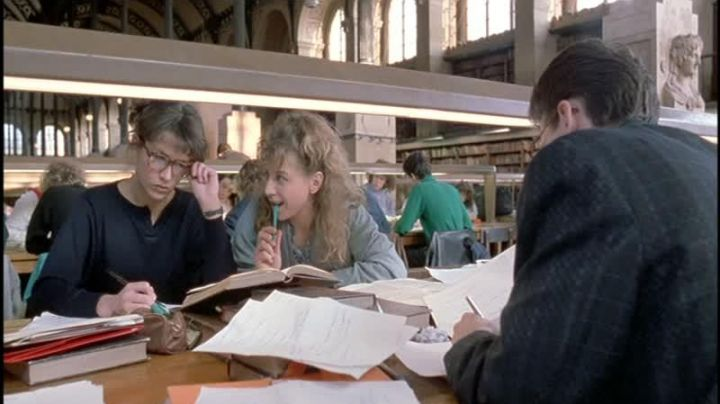 The University of Paris-Sorbonne in The student (Sophie Marceau) - Movie Outfits and Products