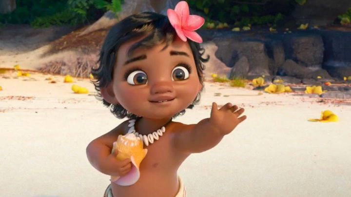 The  Vaina baby in Vaiana the legend of The end of the world (interactive toy with water) - Movie Outfits and Products