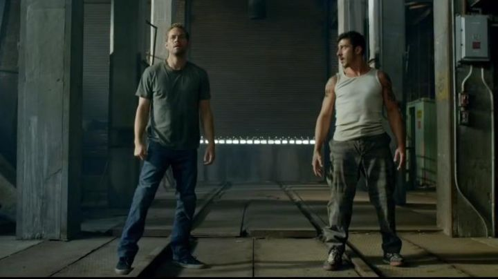 The Vans shoes black Paul Walker in Brick Mansions - Movie Outfits and Products
