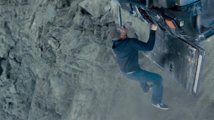 The Vans shoes of Brian O'conner (Paul Walker) in Fast and Furious 7 - Movie Outfits and Products