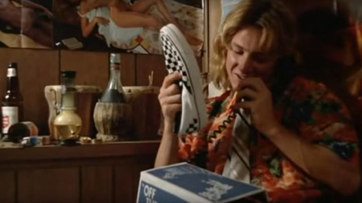 The Vans slip on to carraux worn by Jeff Spicoli in It heats the high school Ridgemont - Movie Outfits and Products